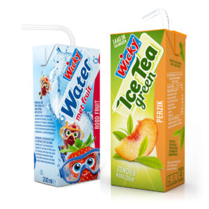 Water met Fruit en Wicky Ice Tea Green
